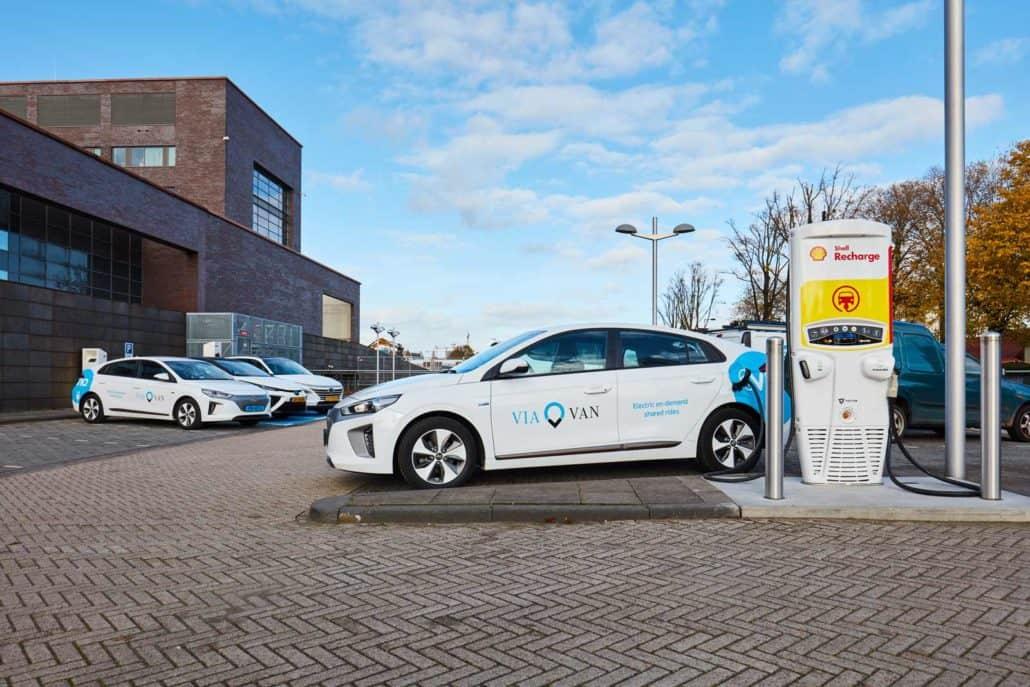 ViaVan en Shell lanceren gedeelde elektrische taxi in Amsterdam